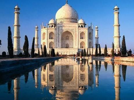 Daha sonra ise rotalarını Hindistan'a çevirecek olan iki sevgili, tatil finalini de Singapur'da yapacak.