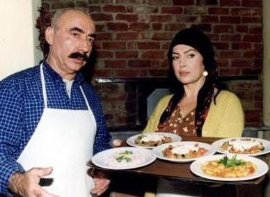 HANIM VE ALİ HAYDAR  İkinci Bahar'ın sevdalıları Hanım (Türkan Şoray) ve Ali Haydar (Şener Şen) birbirleriyle kimyası tutan çiftlerden.