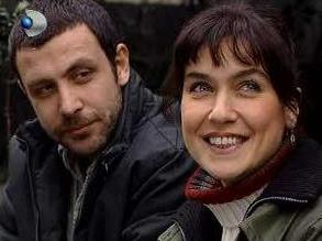 GÜLBEYAZ VE KADİR  Gülbeyaz dizisinin hem birlikte hem de ayrı yapamayan çifti Gülbeyaz ve Kadir.