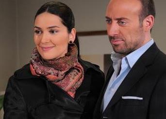 Halit Ergenç ve Bergüzar Korel dizi aşkını gerçek hayata taşıdılar ve sonunda evlendiler.