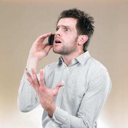 7. Gergin hissetme  Özellikle 40 yaş üstü erkeklerde görülen kendini gergin hissetme, mutlu olamama durumu, yaklaşan depresyonun habercisi olabiliyor.