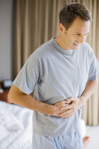 3. Karnın alt bölgesinde kronik ağrılar  Böbrek taşının veya böbreklerde meydana gelen tümörün habercisi olabiliyor.