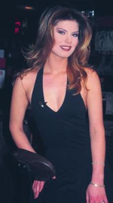 Böyle mi Olacaktı adlı TV dizisinde rol aldı.