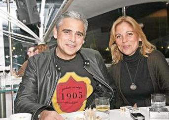 Sibel Savacı'nın kardeşi Tolga da 80'li yılların en gözde manken ve oyuncularından biriydi..
