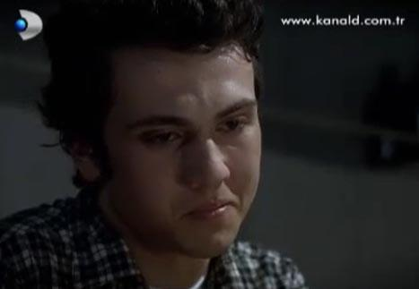İNCİ HOCA METE'NİN ELİNİ TUTARAK ÖLDÜ  Sezon finalinin bir diğer acıklı sahnesinin kahramanları ise Mete ile İnci Hoca oldu.