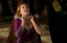 MUHTEŞEM YÜZYIL  Muhteşem Yüzyıl'ın sezon finali de seyircinin yüreğini ağzına getirdi. Bu bölüme Hürrem'in kabus sahneleri damgasını vurdu.