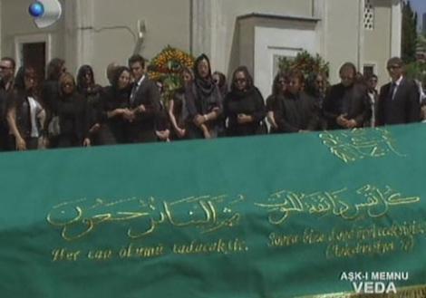 Bihter'in cenazesi gözyaşları içinde toprağa verildi.