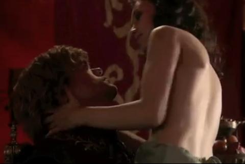 Sibel Kekilli, fahişe rolüyle girdiği Game of Thrones dizisinde başrole yükseldi.