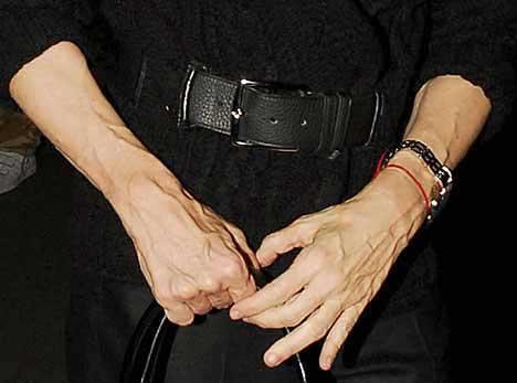 Bu elin damarlı görünümünde ise ağır antremanların yanısıra yaş faktörünün de etkisi bulunuyor.