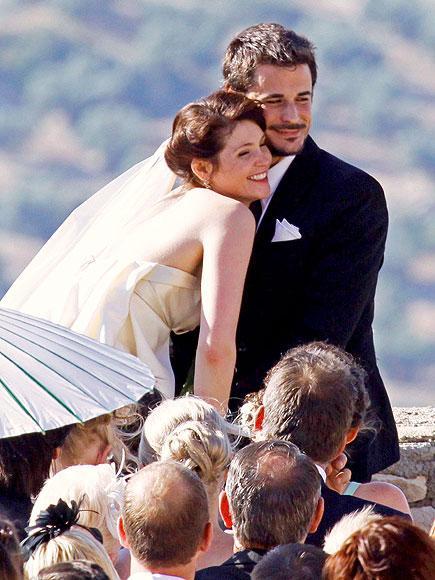Gemma ve Stefano Gemma Arterton ve  Stefano Catelli 5 Haziran 2010'da 40 kadar konuğun davetli olduğu küçük bir törenle evlendiler.