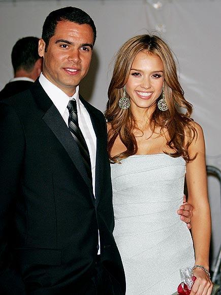Jessica ve Cash 2008 yılında Beverly Hills'de kimselere haber vermeden evlenen çiftin, Honor Marie adında bir kız çocukları var.