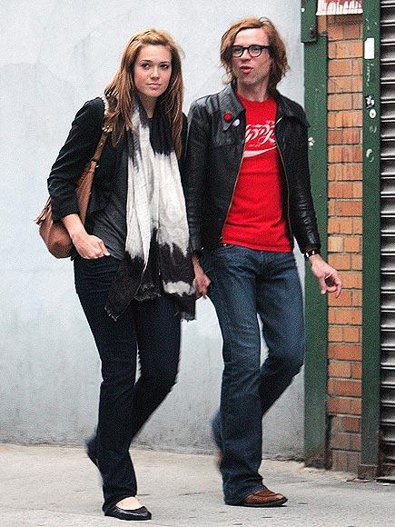Mandy ve Ryan 2009'da nişanlarını duyurdular ve aradan bir ay geçmeden de evlendiler.