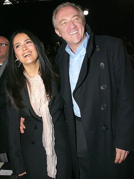 Salma ve Francois 2009 yılında François-Henri Pinault sevgilisi Salma Hayek'e unutulmayacak bir sevgililer günü sürprizi verdi. yirmiye yakın davetlinin olduğu düğün töreni Salma Hayek  için de sürprizdi.