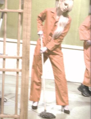 ''Paris Hilton hapishanede''