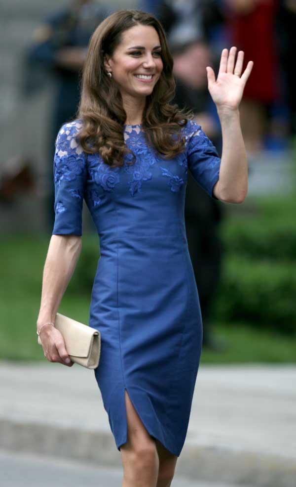 İngiltere'nin çiçeği burnunda prensesi de kobalt maviden vazgeçemiyor. Erdem imzalı bu elbiseyi Kanada gezisinde giydi.