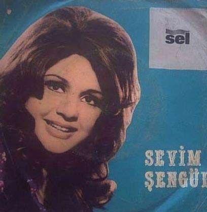 Yeşilçam'da birçok filme sesini veren ses sanatçısı Sevim Şengül, 1938'de İstanbul'da doğdu.