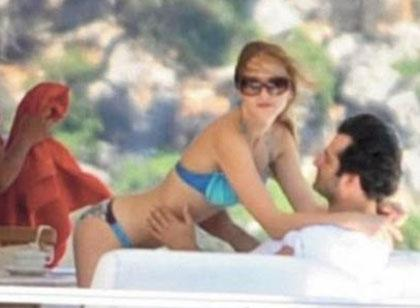 Mahsun Kırmızıgül sevgilisinin Fransa'da yaşadığını ve ünlü bir manken- oyuncu olduğunu söyledi.