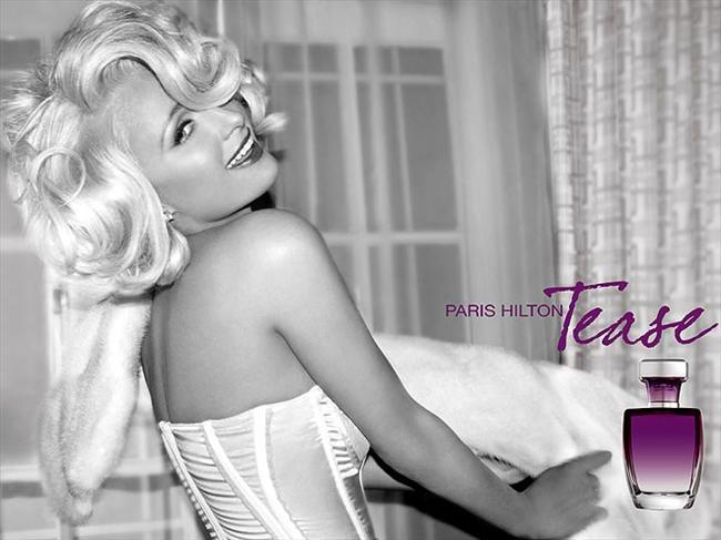 PARIS HILTON: TEASE Hilton Otelleri'nin genç varisi Paris Hilton, daha önce birçok kez parfüm çıkardı. Son parfümü Tease ise Fuji elması, nektar, beyaz şeftalinin beyaz çiçeklerle karışımından oluşuyor.