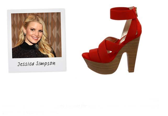 Ünlü: Jessica Simpson - Marka: Jessica Simpson Collection Neden sevdik?: Ünlü markalara göre fiyatı oldukça düşük ve Jessica Simpson'dan beklenmeyecek kadar da şık. Bu resimdeki modeli beyaz bir elbiseyle tamamlarsak, harika olur.