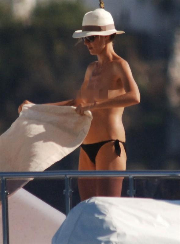 Heidi Klum'un üstsüz tatili - 44