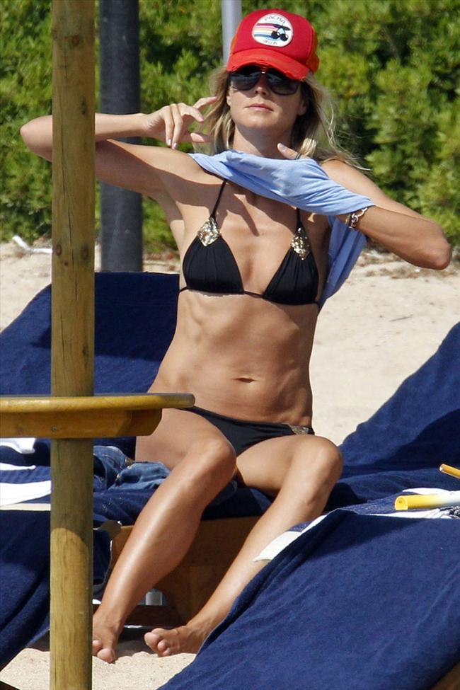 Heidi Klum'un üstsüz tatili - 18