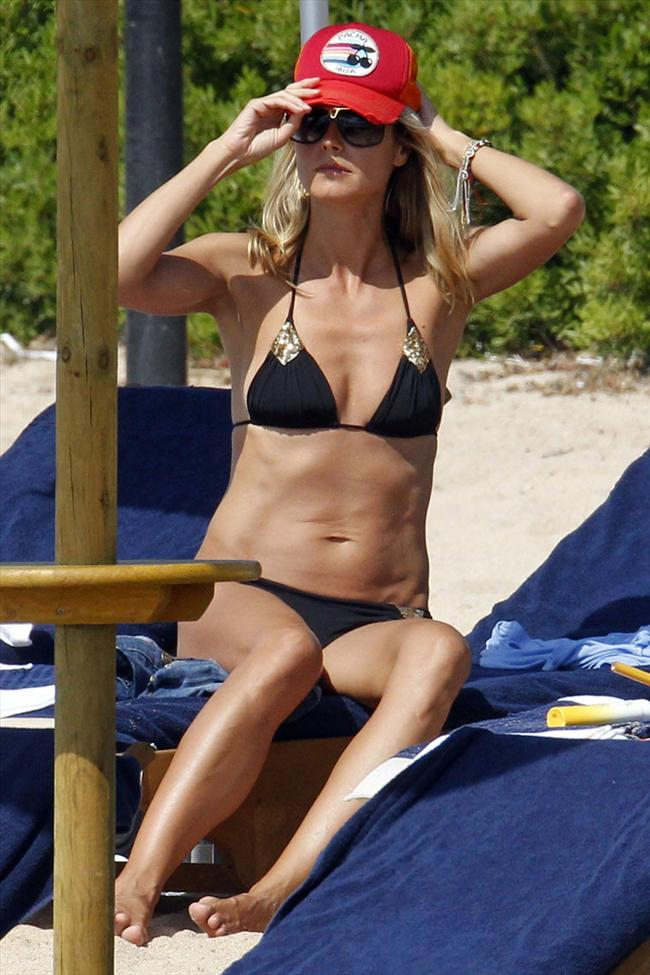 Heidi Klum'un üstsüz tatili - 19