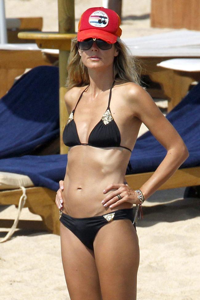 Heidi Klum'un üstsüz tatili - 21