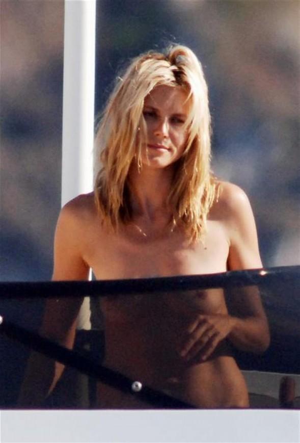Heidi Klum'un üstsüz tatili - 52