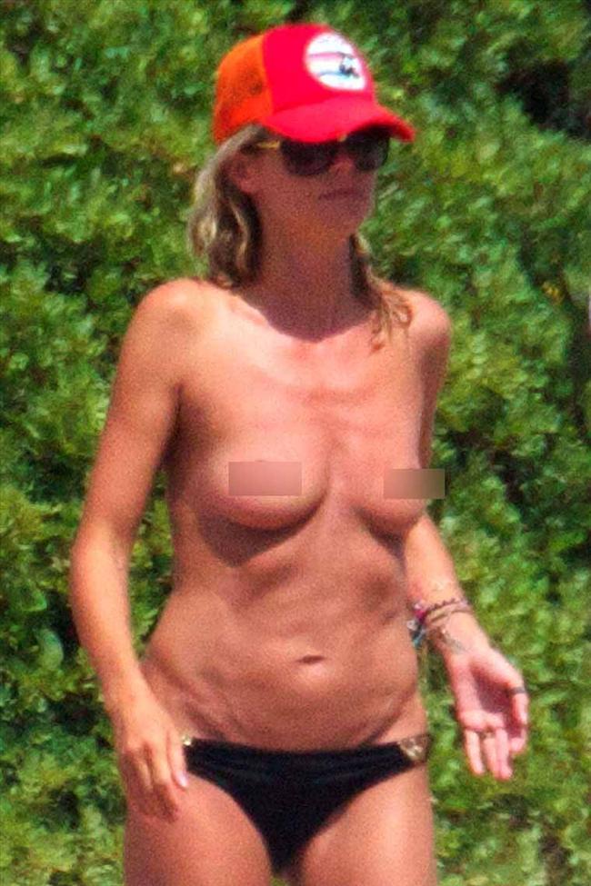 Heidi Klum'un üstsüz tatili - 37