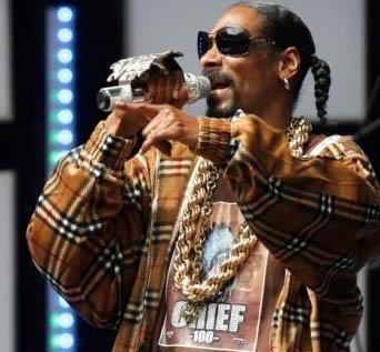 Snoop Dogg da yüzme bilmeyen ünlülerden.