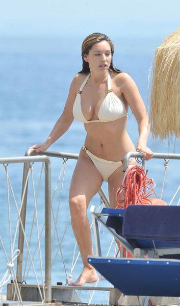 Kelly Brook'tan bikini şov.. - 3