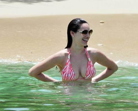 Kelly Brook'tan bikini şov.. - 53