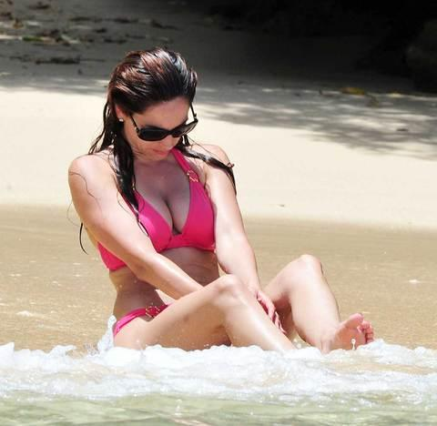 Kelly Brook'tan bikini şov.. - 57