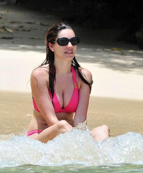 Kelly Brook'tan bikini şov.. - 81
