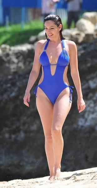 Kelly Brook'tan bikini şov.. - 84