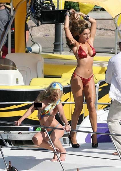 Kelly Brook'tan bikini şov.. - 129