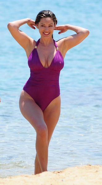 Kelly Brook'tan bikini şov.. - 209