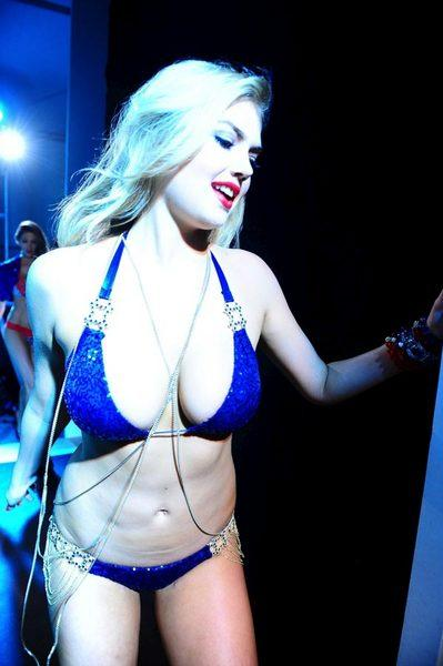 Kate Upton'dan seksi fotoğraflar.. - 45