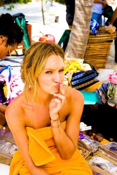 Candice Swanepoel'den seksi fotoğraflar.. - 323