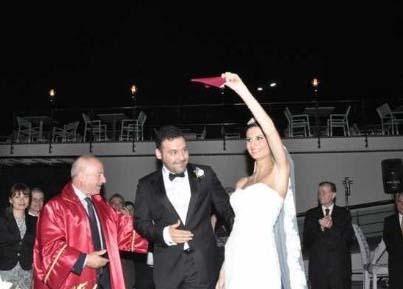Müzik dünyasının müzmin bekarlarından Yaşar sonunda evlenmeye karar verdi. Yaşar,mayıs ayında Merve Oğuz ile nikah masasına oturdu.