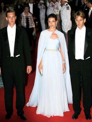 Charlotte'un iki erkek kardeşi var. Biri 24 yaşındaki Pierre diğeri de 27 yaşındaki Andrea.