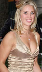 Holly Branson, bu kadar zengin bir babanın kızı olmasa da yine de çok ilgi görecek kadar güzel.