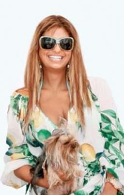 Genç kadın Türkiye'nin Paris Hilton'u olarak tanınıyor.