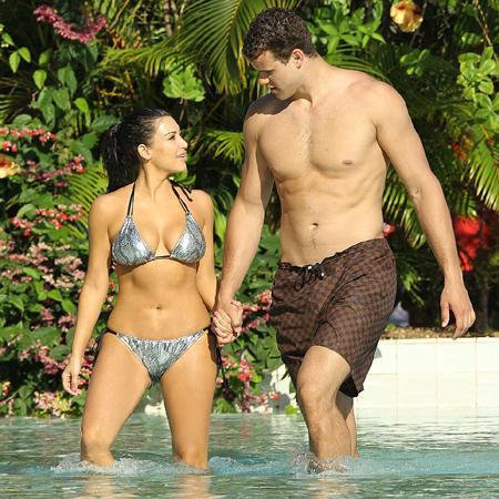 Kim Kardashian bekarlığa veda partisi verdi. - 12