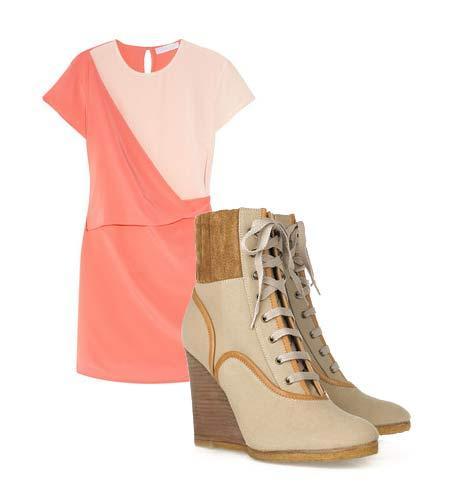 Yazlık elbiselerinizi botlarla tamamlamaya ne dersiniz? Hem böylece yavaş yavaş kendinizi yaklaşmakta olan sonbahar sezonuna hazırlamış olursunuz. Elbise: By Malene Birger Ayakkabı: Camilla Skovgaard