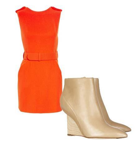 Yazlık elbiselerinizi botlarla tamamlamaya ne dersiniz? Hem böylece yavaş yavaş kendinizi yaklaşmakta olan sonbahar sezonuna hazırlamış olursunuz. Elbise: Alexander McQueen Ayakkabı: Camilla Skovgaard