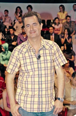 ACUN ILICALI  TV yapımcısı ve sunucusu Acun Ilıcalı, İstanbul'da sık sık arkadaşlarının yatları ile denize açılıyor.