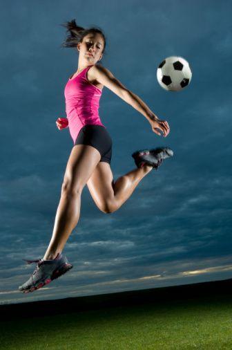 Ev aletleri  En iyisi egzersiz topuyla hareket etmektir. Egzersiz topuyla vücudunuzun eğin, bükün. Eğer sırt ağrısı sorunlarınız varsa egzersiz topundan uzak durun.