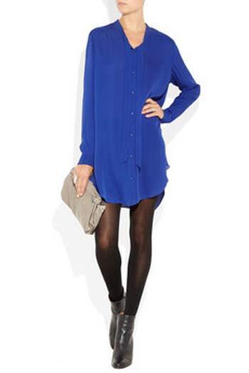 Mason by Michelle Mason'dan yakasız gömlek elbise. Rengine gerçekten bayıldık.