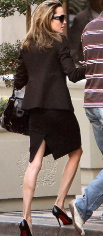 Jolie'nin bu fotoğrafı da aşırı zayıflığının bir başka kanıtı.